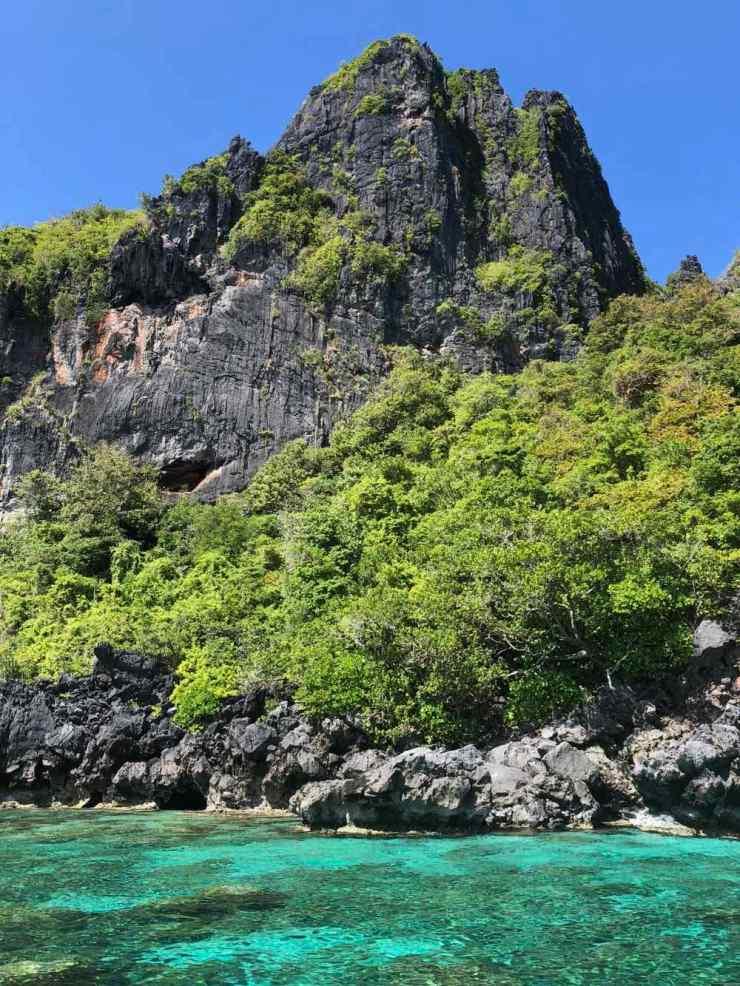 Eau turquoise et pics karstiques - Archipel du bacuit - Palawan - Philippines