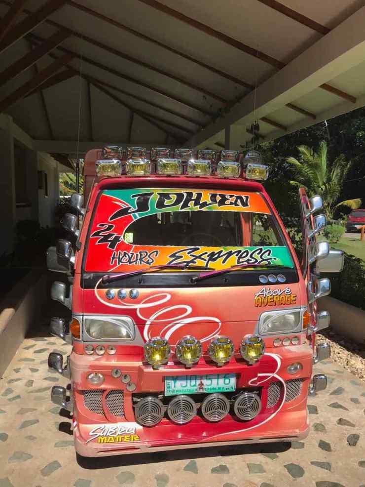 C'est parti pour l'aventure en Jeepney! - Siquijor - Philippines