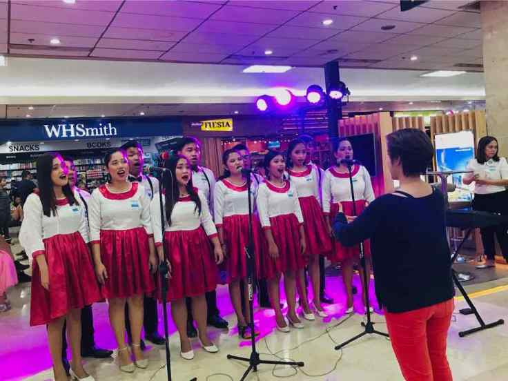 Chorale de Noël - Aéroport de Cebu - Philippines