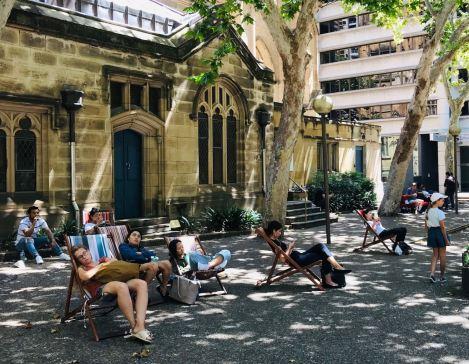Pause transat devant la cathédrale Saint Andrey - Sydney - Australie