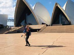 Père et fille devant l'opéra de Sydney - Australie