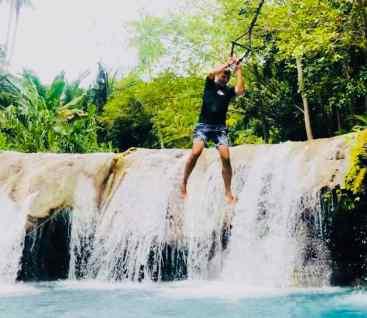 Attention, je saute ! - Chutes de Cambugahay - Siquijor - Philippines