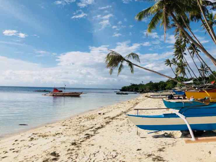 Plage et bangkas - Siquijor - Philippines
