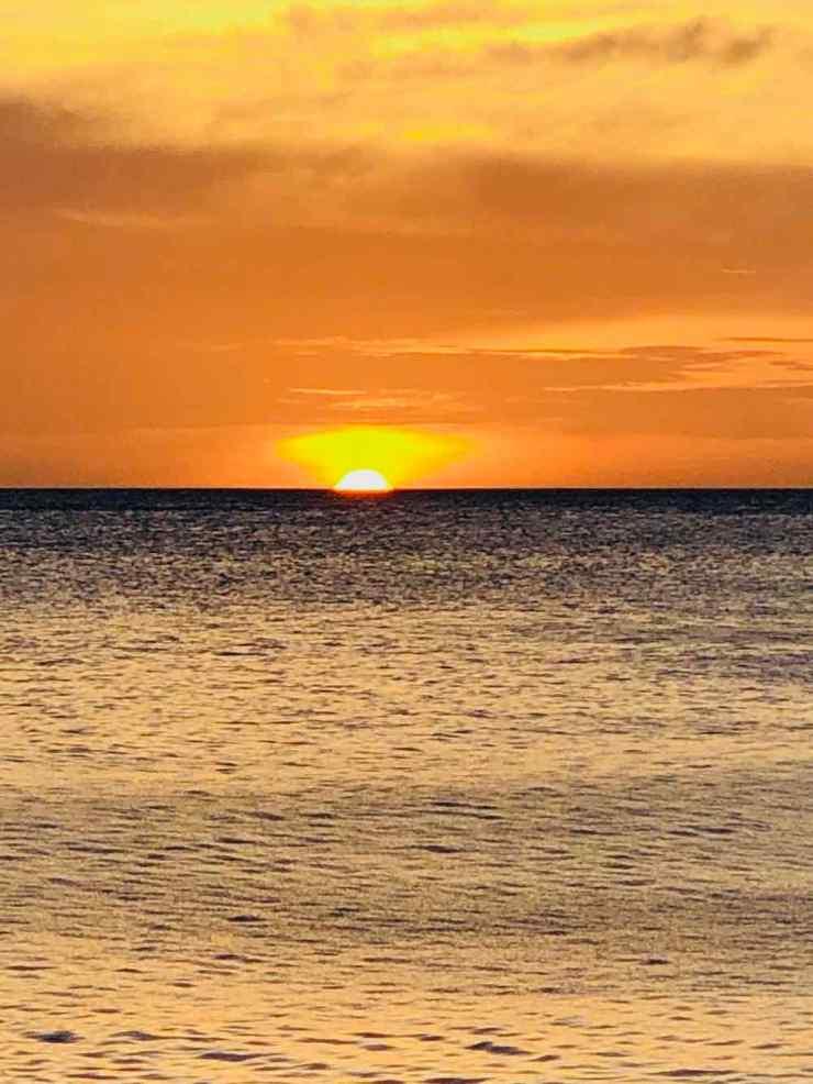 Coucher de soleil sur la plage du Coco Grove - Siquijor - Philippines
