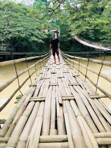 Geoffrey sur le pont de Tibao - Bohol - Philippines