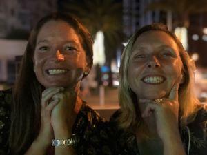 Les filles, 20 ans après. Trop contentes de se retrouver ! - Gold Coast - Australie