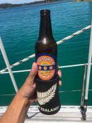 Première bière de Nouvelle Zélande - Pas mauvaise - Bay of Island en voilier - Nouvelle Zélande