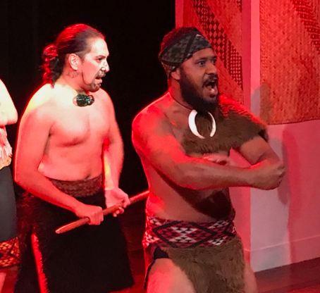 Haka ! - Spectacle Maori - Musée d'Auckland - Nouvelle-Zélande