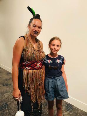 Pause avec les danseurs Maoris - Musée d'Auckland - Nouvelle-Zélande