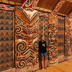 Eden dans le whare nui - Musée d'Auckland - Nouvelle Zélande
