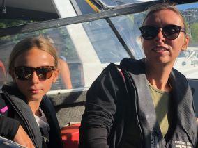 Dans le bateau, derrière le tracteur - En route pour Bark Bay - Parc Abel Tasman - Nouvelle-Zélande