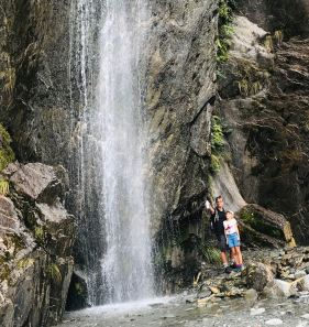 Jolie cascade lors de la marche vers le Franz Joseph Glacier - Nouvelle-Zélande