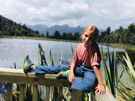 Photo souvenir devant le lac Matheson - Nouvelle-Zélande