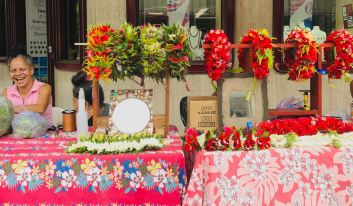 Stand de couronnes de fleurs - Papeete - Polynésie