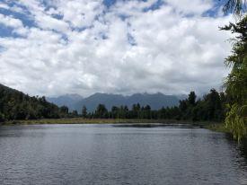Donc là on devrait voir le Mont Cook et le Mont Tasman ! - lac Matheson - Nouvelle-Zélande