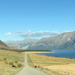La piste vers notre campement, en longeant le lac Hawea - Nouvelle-Zélande