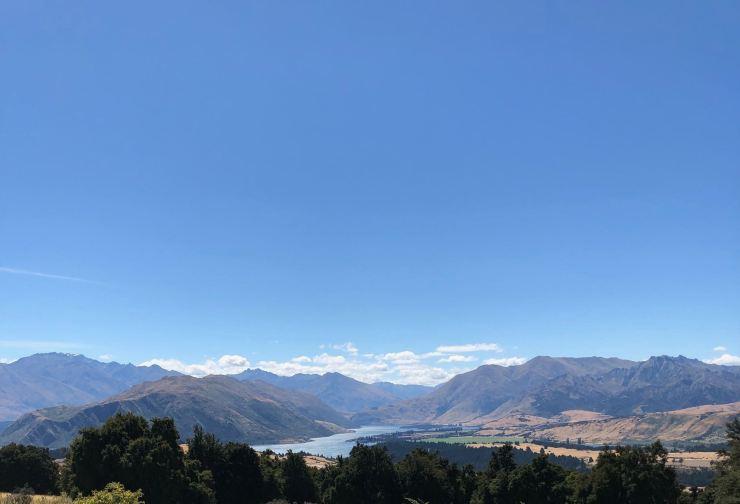Vue sur la vallée de Wanaka depuis le sommet de l'Iron Track - Nouvelle-Zélande