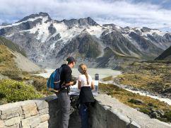Devant le lac du Mueller glacier - Hooker Valley Track - Mont Cook - Nouvelle-Zélande