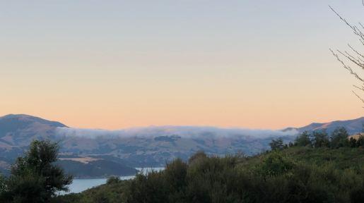Coucher de soleil sur la baie - Akaroa - Banks Peninsula - Nouvelle-Zélande