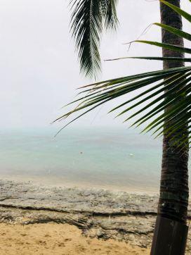 Le turquoise tente d'apparaitre - Tahiti sous la pluie - Polynésie