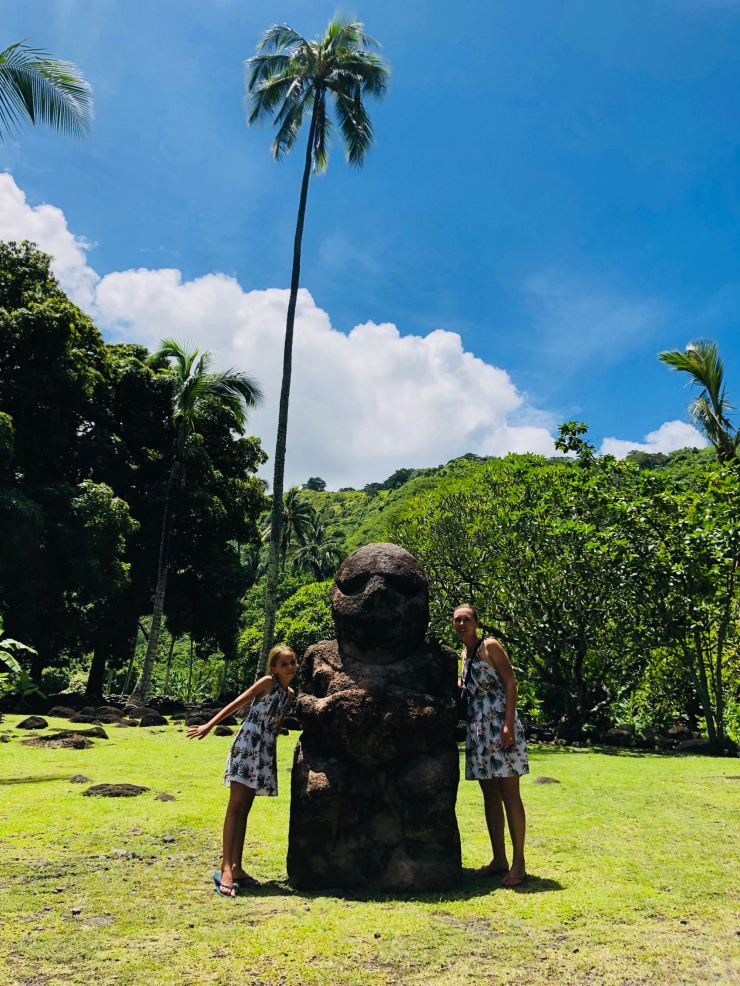 Les filles au ti'hi - Marae Arahurahu - Tahiti - Polynésie