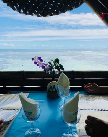 "Notre table à ""la plage de Maui"" - Tahiti Iti - Polynésie"