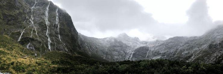 Amphithéâtre à la sortie du Hommer Tunnel - Route vers le Milford Sound - Fjordland - Nouvelle-Zélande