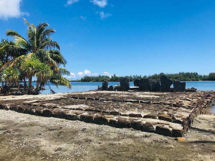 Marae et Palmiers - Huahine - Polynésie