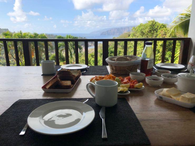 Petit déjeuner à la Villa Enata - Hiva Oa - Iles Marquises - Polynésie