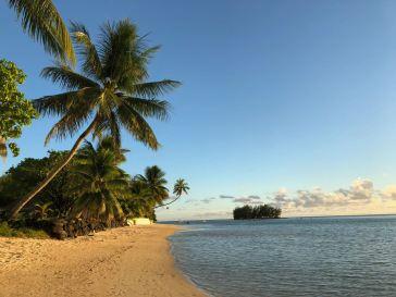 Jolie plage et son Motu - Moorea - Polynésie