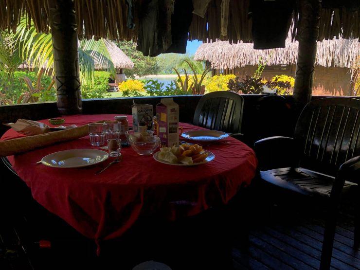 Sur notre terrasse au Fare Miti - Moorea - Polynésie