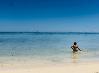 Baignade dans le bleu ! - Moorea - Polynésie