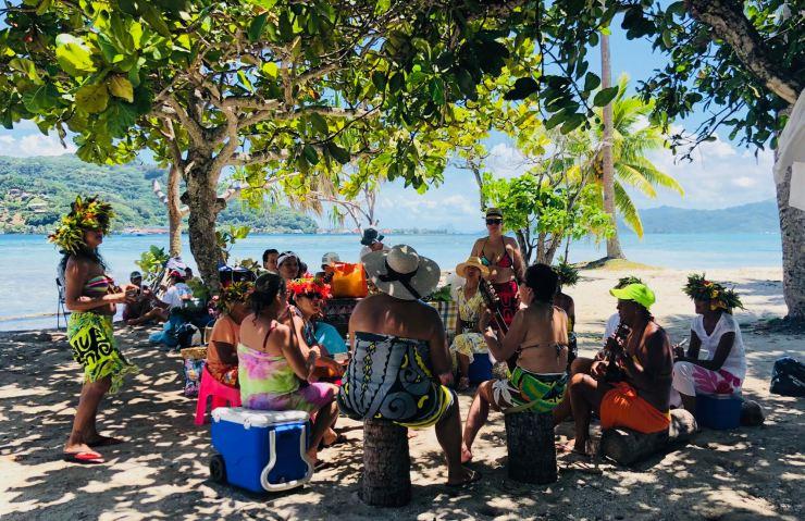 Journée de la femme version Polynésienne - Sur le Motu Ofetaro - Raiatea - Polynésie