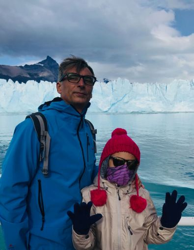 "Coucou, on est gelés ! Devant le Perito Moreno- Parc National ""Los Glaciares"" - Argentine"