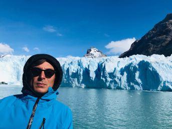 "Pose devant le Glacier Spegazzini - Parc National ""Los Glaciares"" - Argentine"