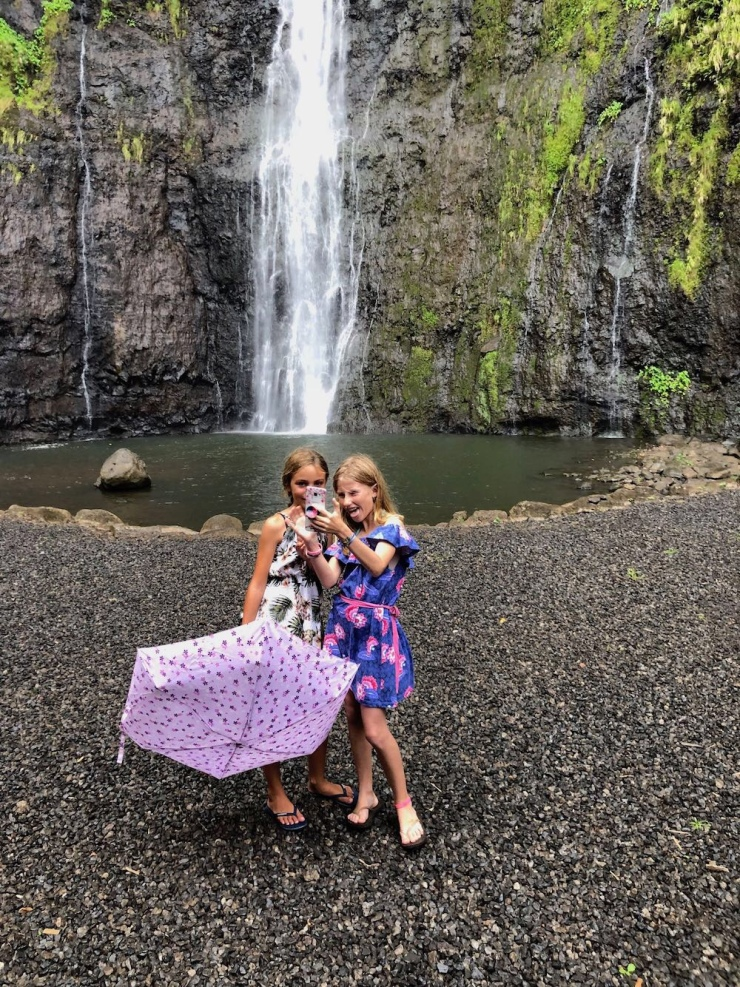 Les filles ! - A la première cascade de Faarumai - Tahiti - Polynésie