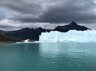 "Jeu de lumières sur le Perito Moreno - Parc National ""Los Glaciares"" - Argentine"