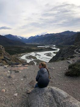 Première pause face à la rivière en contrebas - treck du Fitz Roy - El Chaltén - Argentine