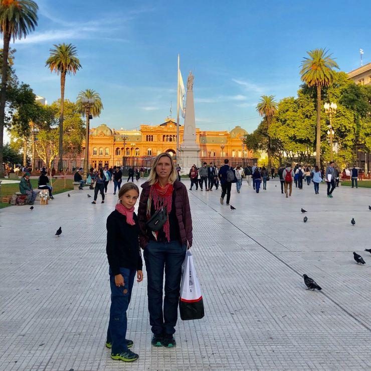 Devant l'obelisco de la Plaza de Mayo -Buenos AIres - Argentine