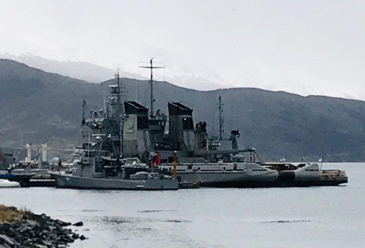 Bateau de guerre - Baie d'Ushuaïa - Terre de Feu - Argentine