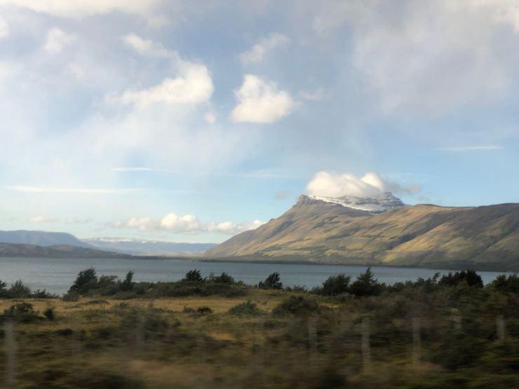 A travers la vitre... - Torres del Paine - Patagonie - Chili