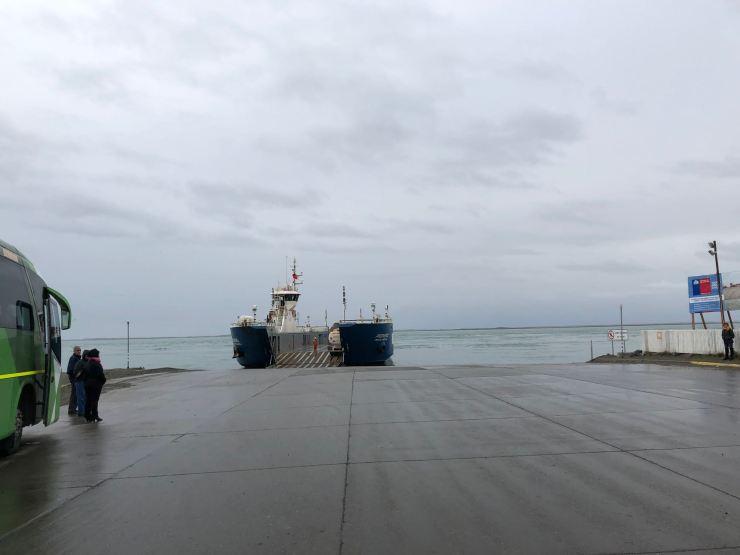 Ferry sur le détroit de Magellan