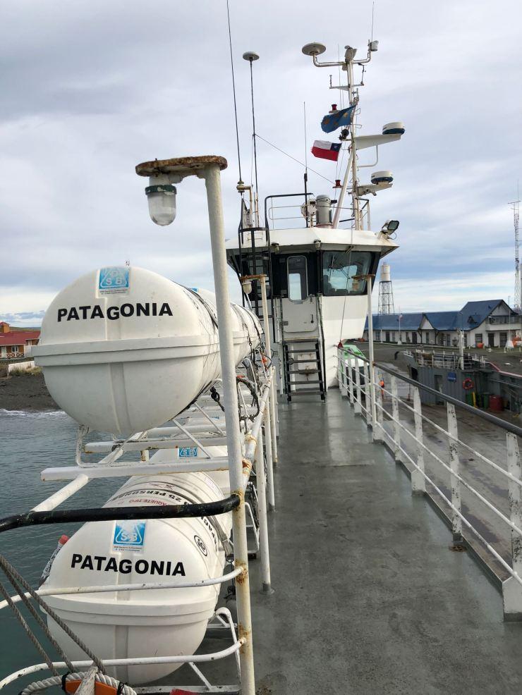 Le Ferry, Patagonia ! C'est écrit dessus !