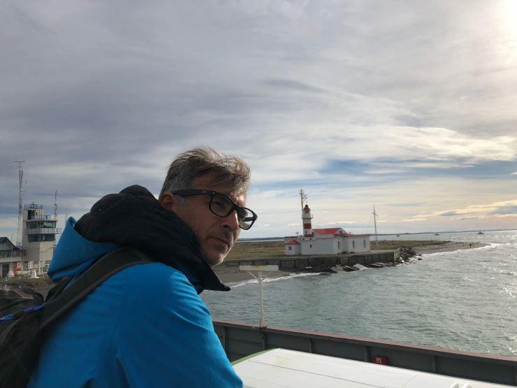 Geoffrey, sur le ferry, sur le détroit de Magellan