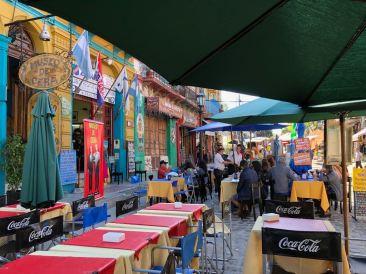 La rue des restaus - Quartier de la Boca - Buenos Aires - Argentine