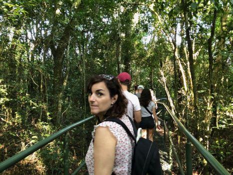 Carole dans la jungle - Premiers pas dans le parc Iguazu - Brésil