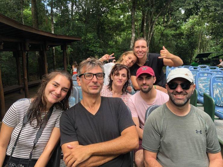 Tous ensemble dans le bus ! - Fin de notre première journée aux chutes d'Iguazu - côté Brésil