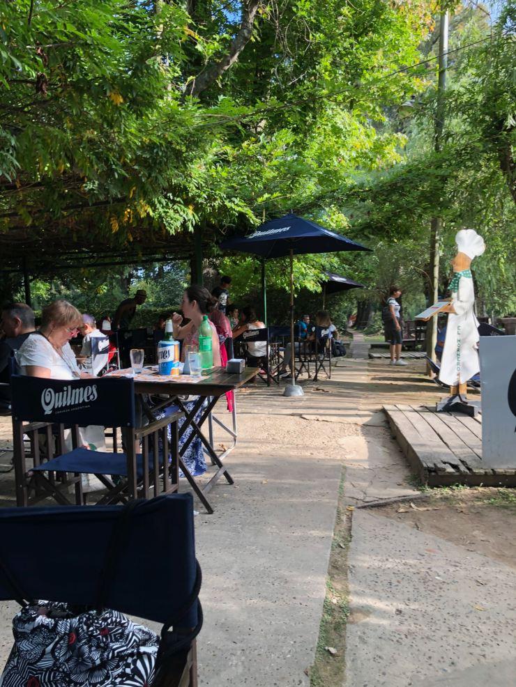 Au restaurant, comme dans les guinguettes - Tigre - Argentine