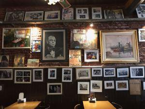 Intérieur du restaurant La Perla - Quartier de la Boca - Buenos Aires - Argentine