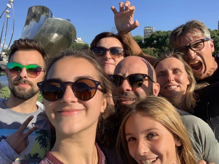 Selfie familial géant ! - Floralis Generica - Buenos Aires - Argentine